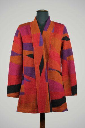 ARAÑA-alpaca-wollen-vest-lang-dames-rood-oranje-paars-zwart-exclusieve-dames-mode-duurzaam-verantwoord