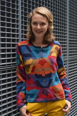 Dames-vest-alpaca-wol-blauw-rood-geel-abstract-modern