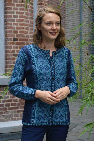 Dames-vest-denim-blauw-jacquard-gebreid-fair-isle-alpaca-wol