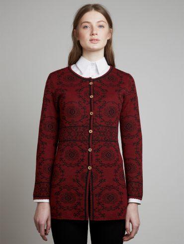 Manuela-Bedford-Deco-rood-alpaca-lang-damesvest