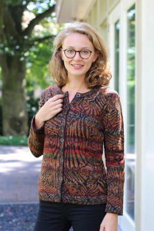 dames-vest-oranje-bruin-groen-zwart-gebreid-exotisch-motief-alpaca-wol-peru