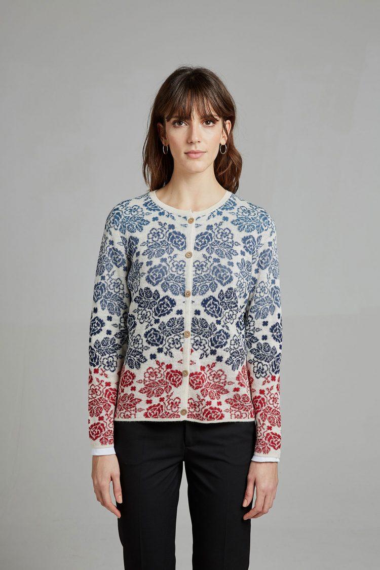 Blauw gebloemd vest rood wit alpaca wol peru Manuela Bedford verantwoord gemaakt