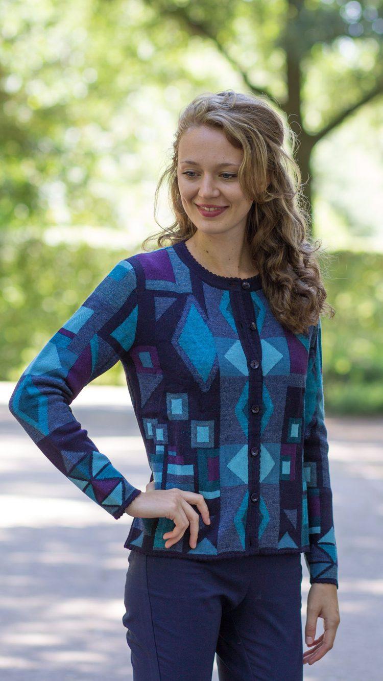 Scandinavisch dames vest gebreid alpaca wol zwart blauw abstract