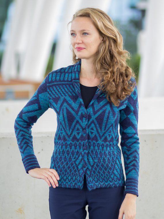 ASARTI-alpaca-wollen-vest-turkoois-blauw-etnisch-patroon-shawl-kraag-blazer-vest