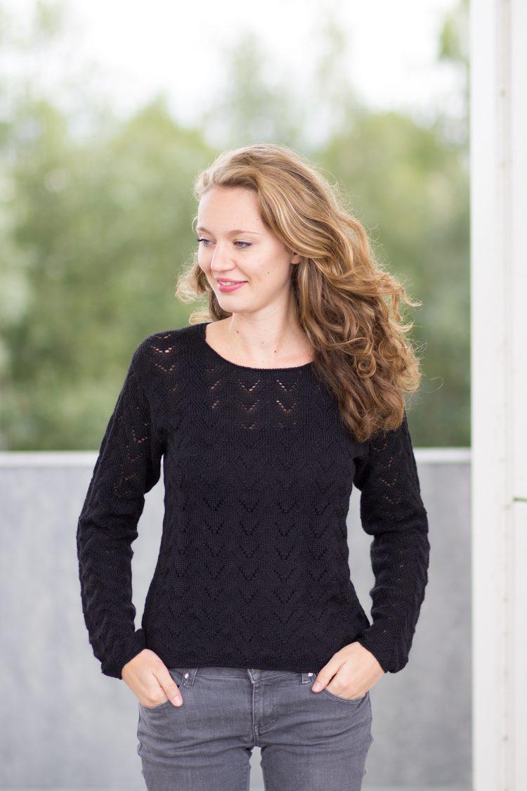 zwarte trui ajour gebreid van alpaca wol