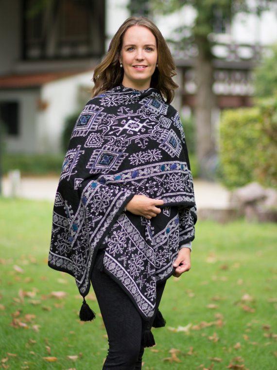 Alpaca-wollen-omslagdoek-omkeerbaar-gebreid-motief-stijlvol-exclusief-country-style-knitwear-design-arana