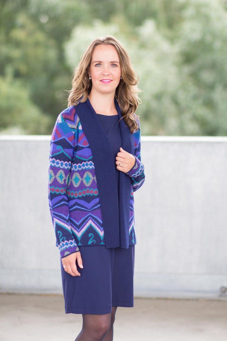 Openvallend vest blauw met grafisch patroon alpaca wol