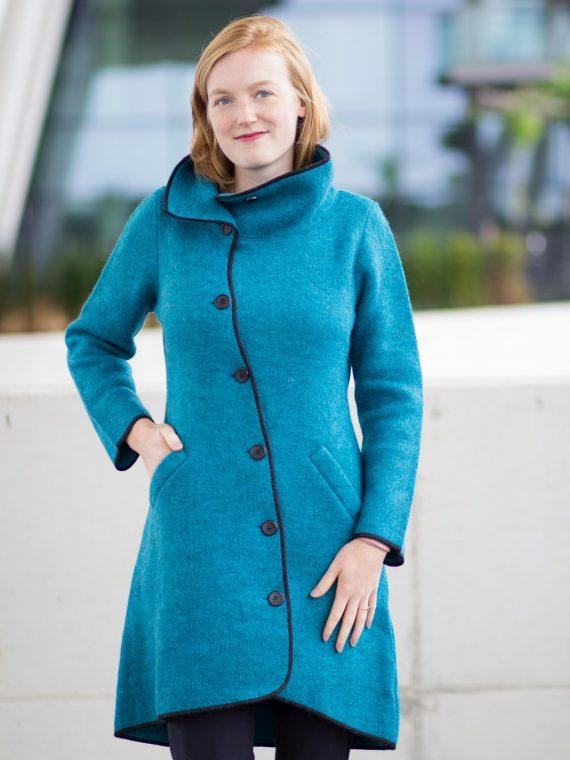 Asi-coat-Apu-kuntur-alpaca-wollen-jas-lang-turquoise-blauw-knoopsluiting
