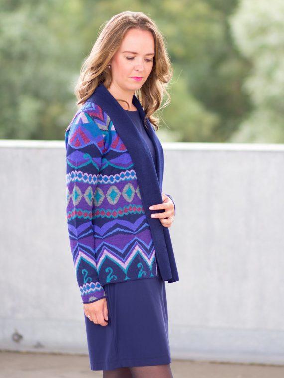 Los-openvallend-vest-blauw-gebreid-motief-peruvian-knitwear-fairtrade-duurzaam-ecologisch