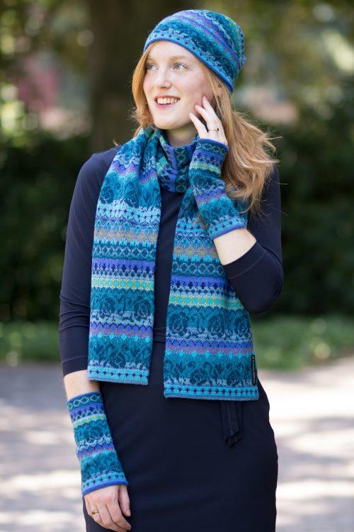 Turquoise blauw gebreide shawl alpaca wol gebloemd motief