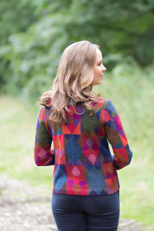 ARAÑA millma damesvest alpaca wol rood paars blauw patroon