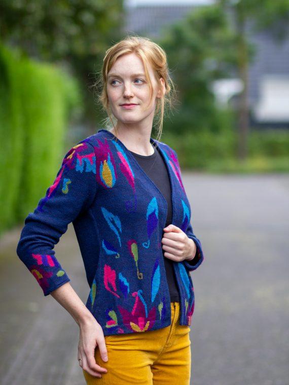 ASARTI dames vest turquoise blauw gebloemd alpaca wol