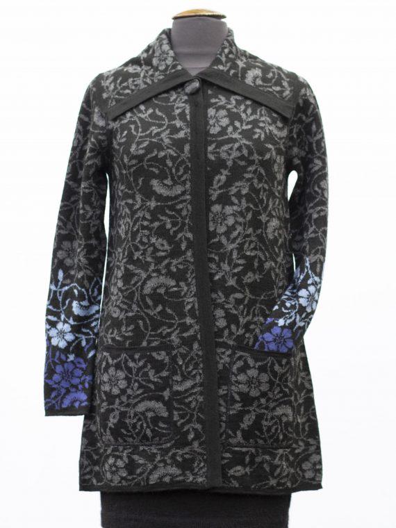 Alpaca-wollen-dames-vest-zwart-grijs-blauw-gebloemd-motief-met-kraag-duurzaam-exclusieve-mode